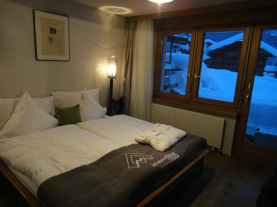 Hotel Matterhorn Focus: Bedroom with Matterhorn view