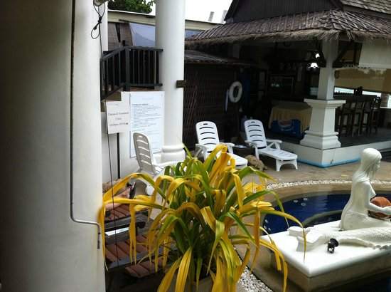Dara Samui Beach Resort & Spa Villa: repos transat....