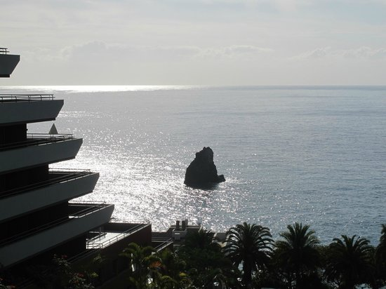 Melia Madeira Mare Resort & Spa: The rock in front of our room