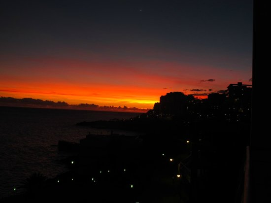 Melia Madeira Mare Resort & Spa: Sunset