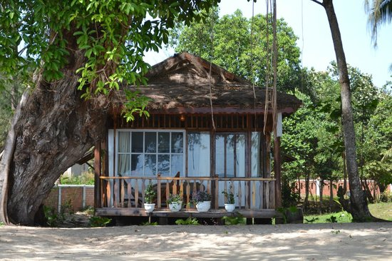 Bamboo Cottages & Restaurant: Wood House