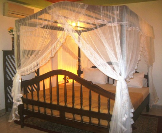 Sunbeam Beach Resort: Double Supreme Colonial Room