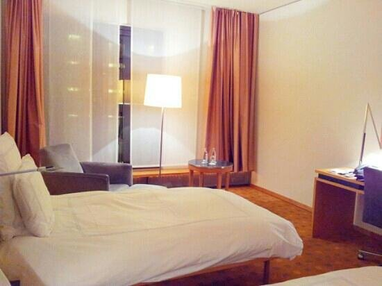Swissotel Berlin: Twin room