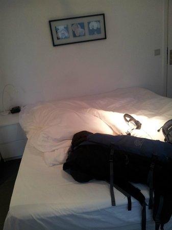 Lavan: Bed