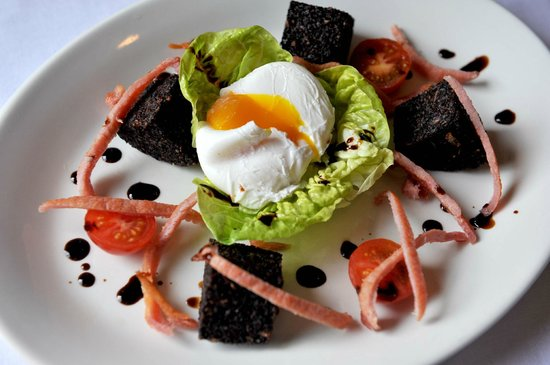 Biddestone Arms: Black Pudding