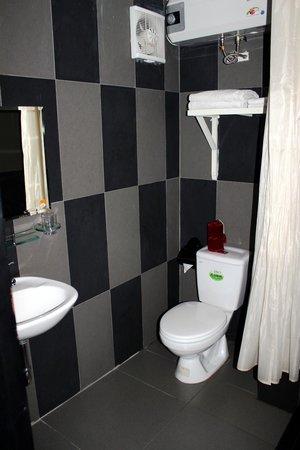 Jade Hotel: Bagno