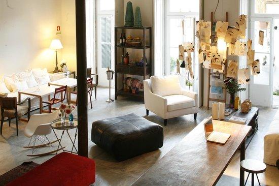A Casa das Janelas com Vista: Living Room