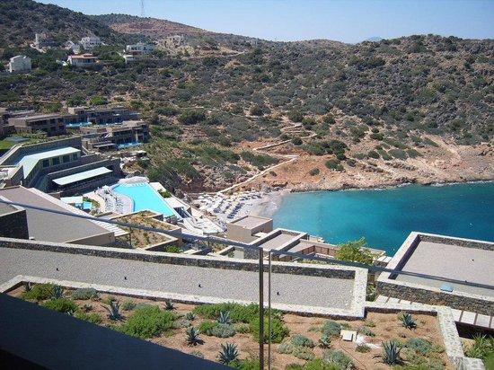 Daios Cove Luxury Resort & Villas: uitzicht vanaf balkon