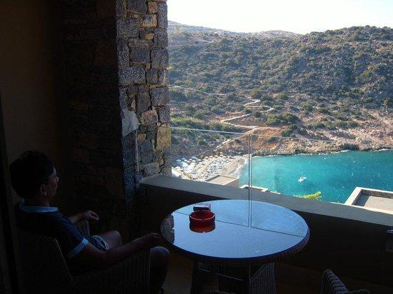 Daios Cove Luxury Resort & Villas: zicht vanaf balkon