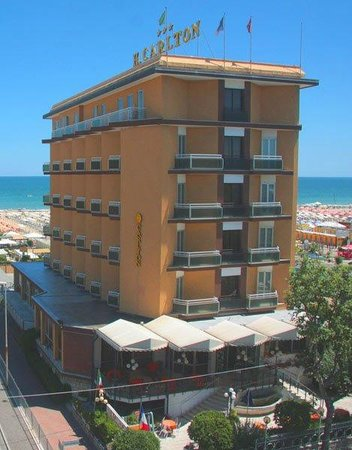 Hotel Carlton Beach Rimini Italië Foto S Reviews En Prijsvergelijking Tripadvisor