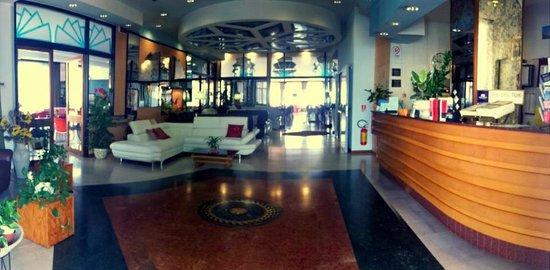 Hotel Carlton Beach: Reception