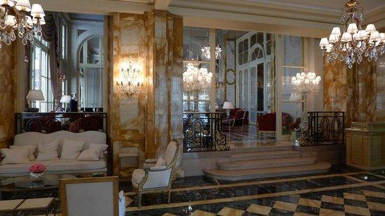 Hotel de Crillon:                   Lobby & Bar
