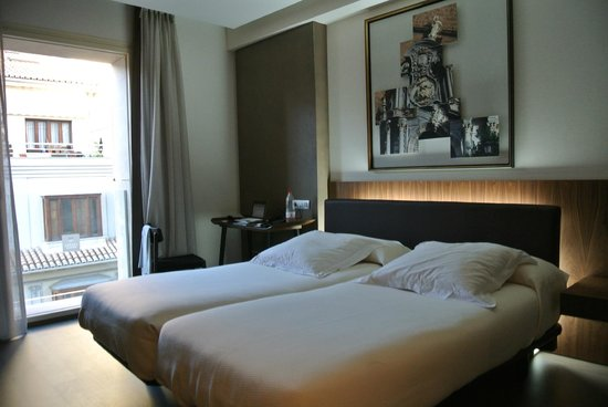 Hotel Abades Recogidas: Two single beds...