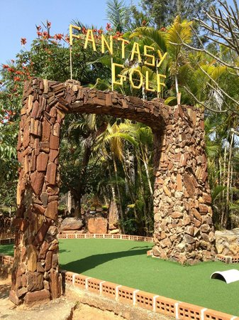 Fantasy Golf Resort: miniature golf course