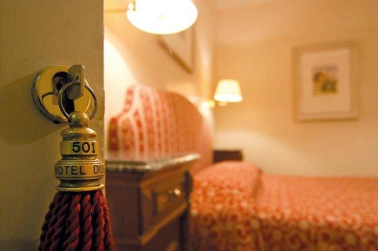 Hotel Due Torri: particolare camera