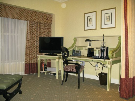 Hotel Commonwealth: The Suite