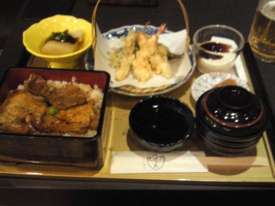 Hageten : 豚丼と天ぷらのセット 1300円