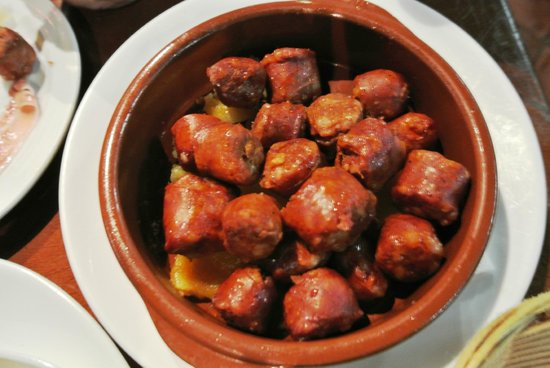Antigua Bodega Castaneda : Chorizo y patatas