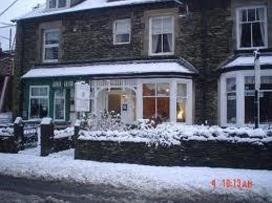 Dunvegan Guest House: Dunvegan in the snow