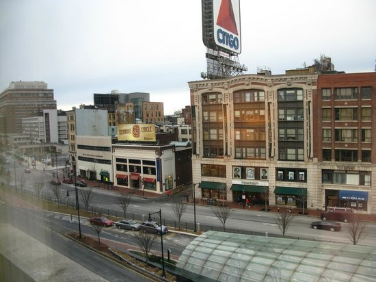 هوتل كومونويلث: View From Window