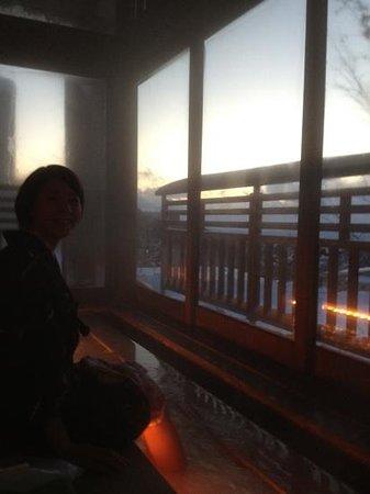 Zao Kokusai Hotel: 夕暮れどきの足湯、綺麗でした!
