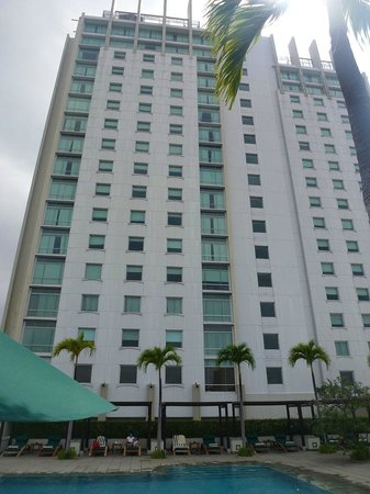 أليلا جاكرتا: Hotel view from the pool