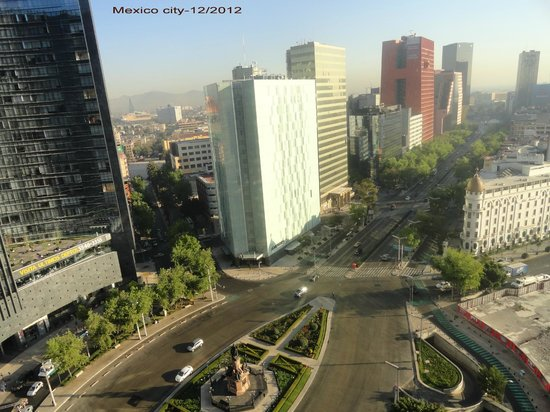 Fiesta Americana Reforma: View from 7th fl on Reforma and Colombus statue