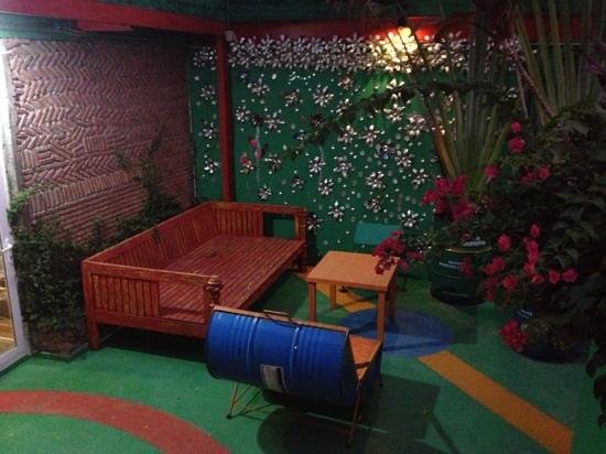 Silom Art Hostel: rooftop deck