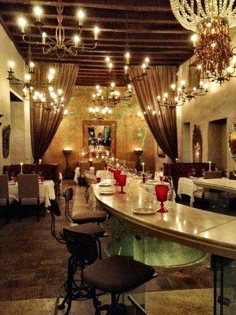 Sofitel Legend Santa Clara: The bar at 1621