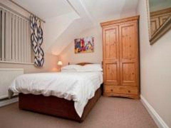 Glenade : Double Bedroom