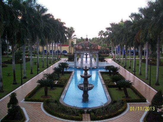 ClubHotel RIU Jalisco: fountains