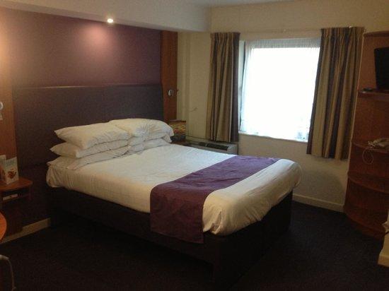 Premier Inn Bournemouth Westcliff Hotel:                                     Big comfy bed