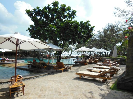 The Royal Beach Seminyak Bali - MGallery Collection: piscine dans le sable !