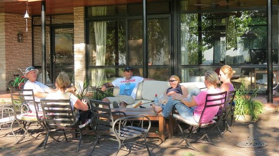 Zelaya, Argentyna: Relax on the terrace after a long lunch