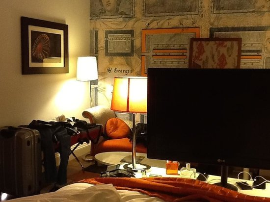 Hotel Indigo Edinburgh:                   Standard room!