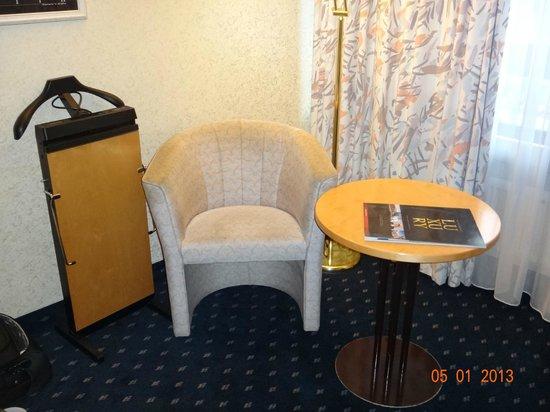 Senator Hotel Hamburg:                   номер