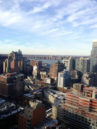 Hampton Inn Manhattan/Times Square South:                   VIew west over Hells Kitchen to the Hudson from 31st floor