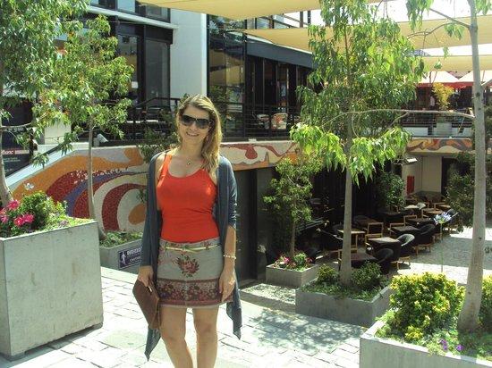 RQ Central: Pátio Bella Vista - Galeria com muitos restaurantes e lojas