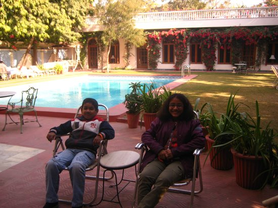 Hotel Meghniwas:                   Open garden with Swiming pool