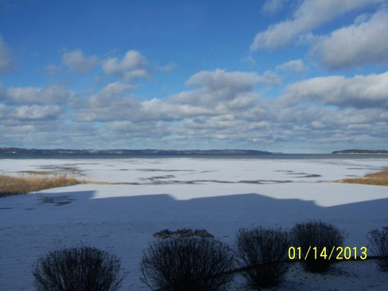 Cherry Tree Inn & Suites:                   Ice on East  Bay of Traverse Bay looking toward Lake Michigan