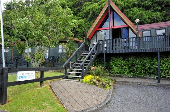Coastal Motor Lodge:                   plenty of free parking!