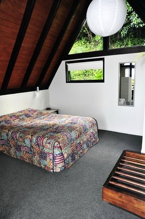 Coastal Motor Lodge:                   double bed