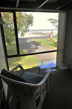 Coastal Motor Lodge:                   view from bay window