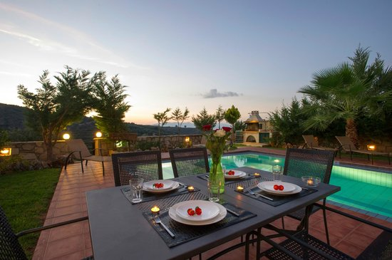 Meliades Villas: OUTER SPACE