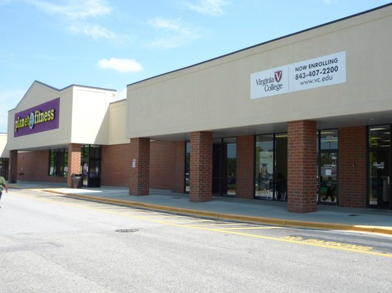 Red Roof Inn Florence - Civic Center: Planet Fitness also with in walking distance