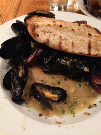 Josephine's Kitchen Catering: mussels