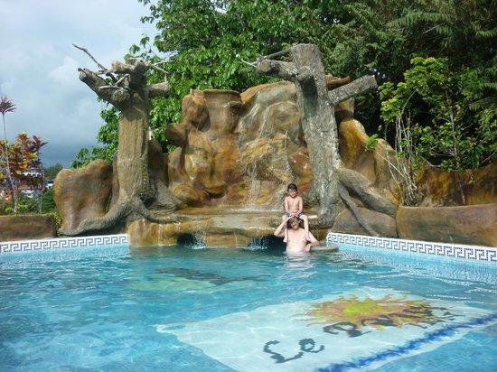 Hotel Le Priss: Excelente clima para pasar todo el día en la piscina