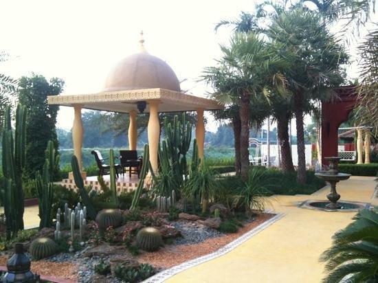 Sheik Istana Hotel:                                     Morocco Garden