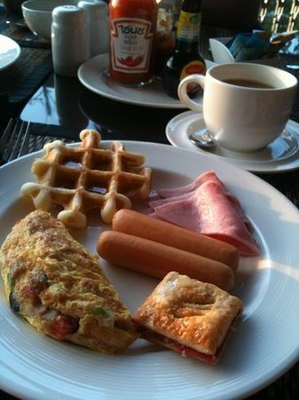 Sheik Istana Hotel:                                     Great breakfast