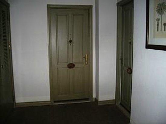 色拉丹柱廊酒店照片